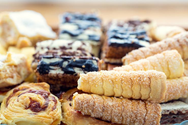 Gerne bieten wir Ihnen leckere Kaffee und Kuchen Snacks für die Pausen an.