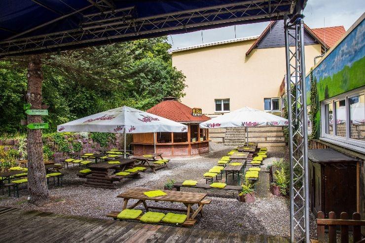 Bühne im Innenhof