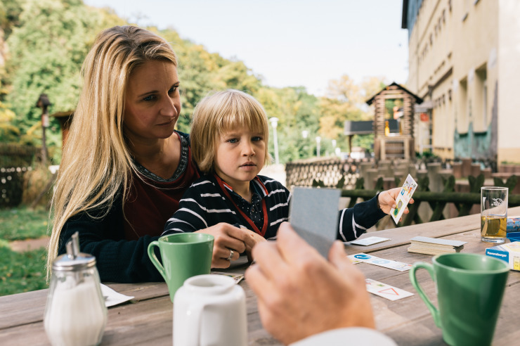 Familien-Kaffeetrinken an der Jugendherberge