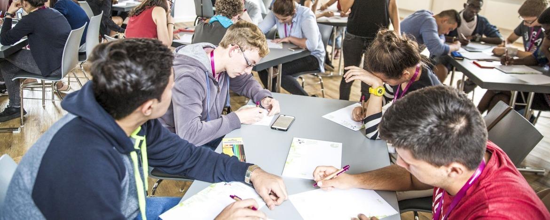 Konzentriertes Lernen, Proben, Tagen im Jugend-Bildungszentrum