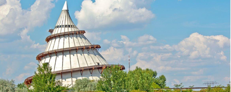 Elbauenpark mit Jahrtausendturm