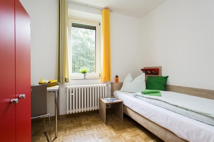 Einzelzimmer der Jugendherberge Bonn