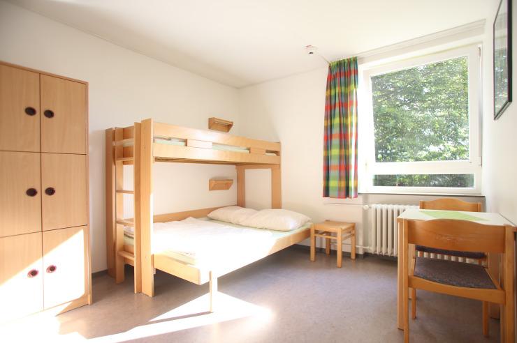 Familienzimmer mit 1,40 m Bett unten