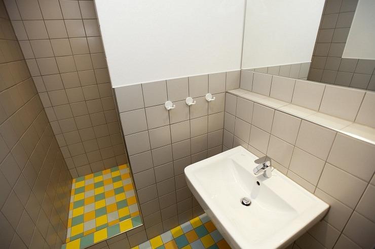 Badezimmer der Jugendherberge Bad Münstereifel