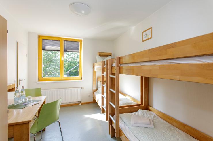 Vierbettzimmer (Beispiel) der Jugendherberge Neuss-Uedesheim.