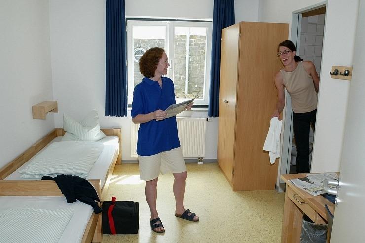 Zweibettzimmer der Jugendherberge Radevormwald