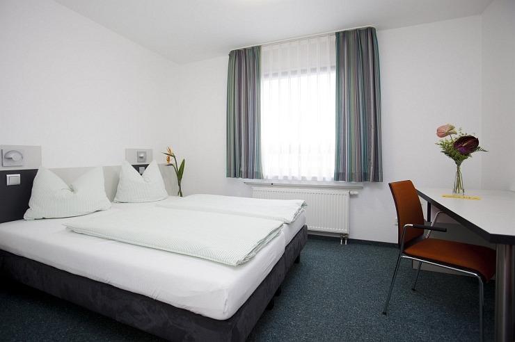 Zweibettzimmer der Jugendherberge Köln-Deutz