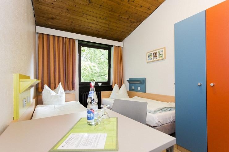 Zweibettzimmer der Jugendherberge Brüggen