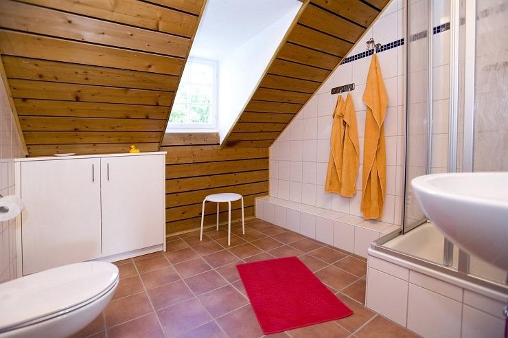 Badezimmer des Apartments der Jugendherberge Blankenheim