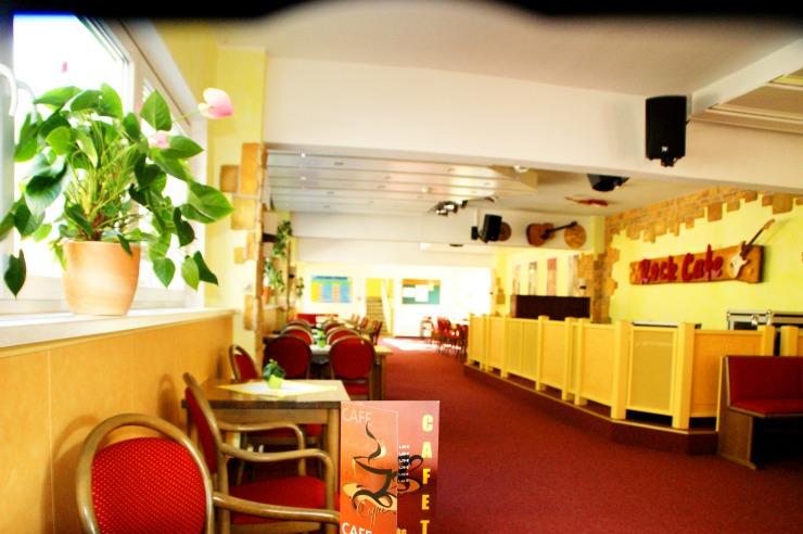 Rock Café mit kleiner Bühne