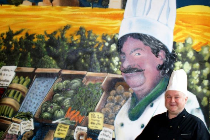 Unser Koch sorgt für das leibliche Wohl unserer Gäste