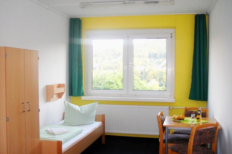 Zimmerbeispiel - toller Ausblick über Wernigerode im Zwei-Bettzimmer