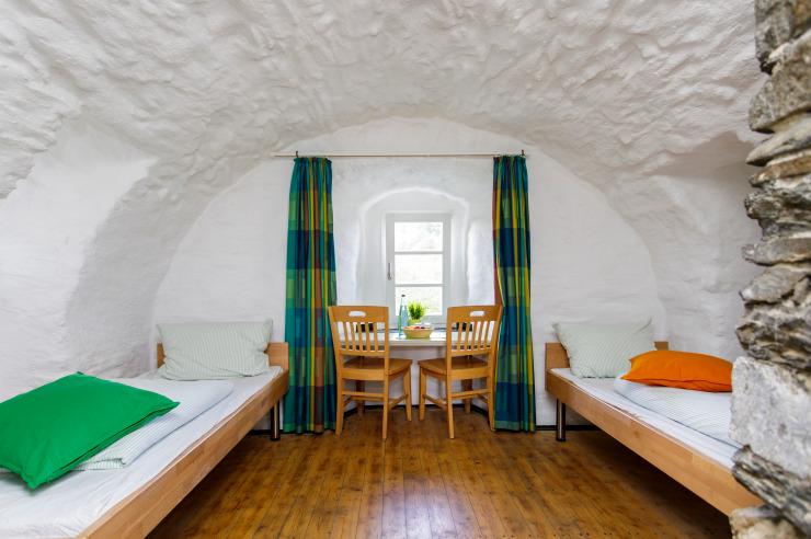 Zweitbettzimmer der Jugendherberge Burg Monschau