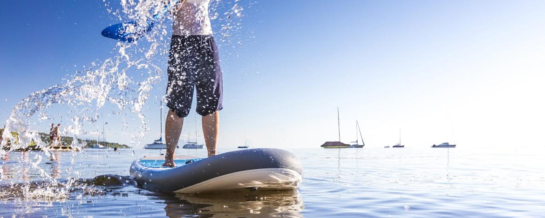 Moderne Zelte der Jugendherberge Westerland