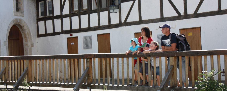 Familie in der Burg Wildenstein