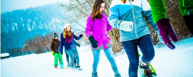 Klassenfahrt im Winter mit Schneeschuhwanderung