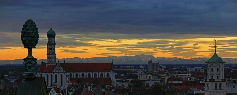 Augsburg bei Dämmerung