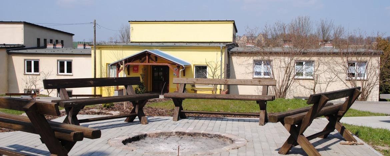 Bettenhaus und Feuerstelle