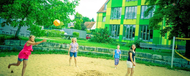 Volleyballplatz an der Jugendherberge Donauwörth