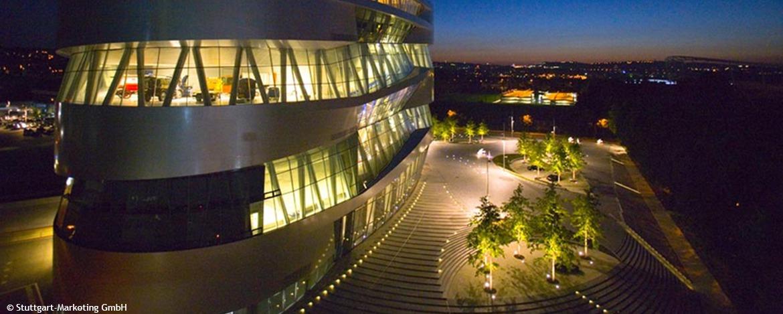 Mercedes-Benz Museum nachts