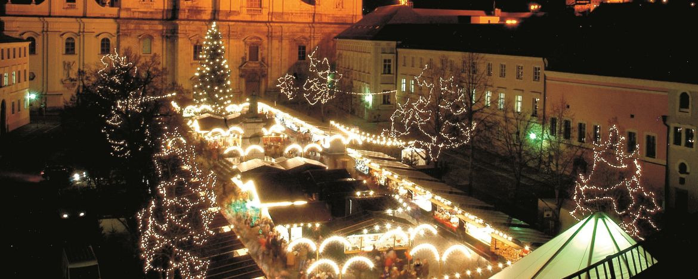 Flanieren im Lichterglanz des Christkindlmarktes