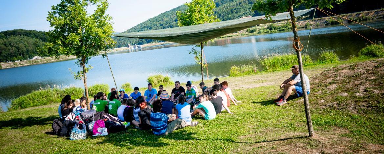 Teambesprechung am Drachensee