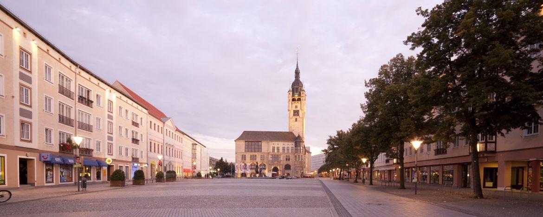 Marktplatz Dessau-Roßlau mit Rathaus