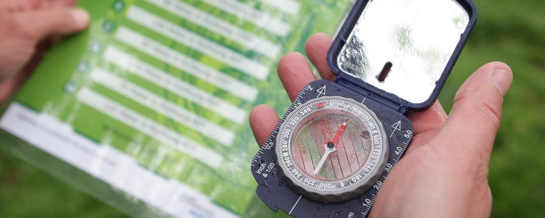Mit Karte und Kompass rund um die Villa Hügel
