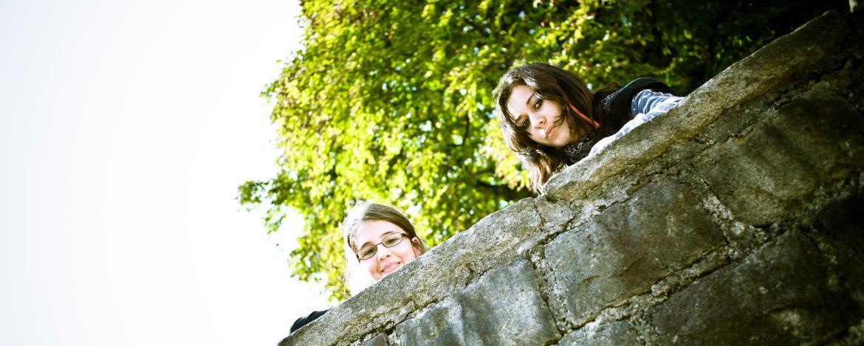 Schüler tauchen in das Leben der mittelalterlichen Burg-Kinder ein