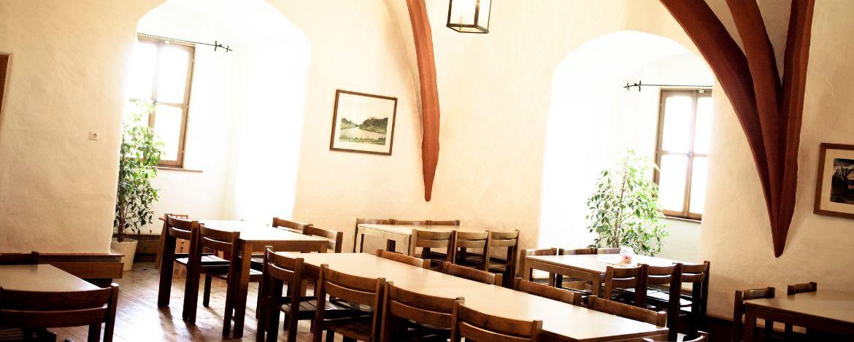 Speisesaal in der Jugendherberge Saldenburg