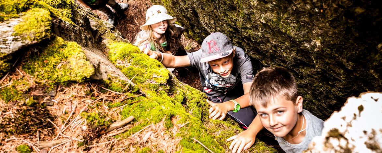 Eine Exkursion zu Steinmauern und Felsenkellern