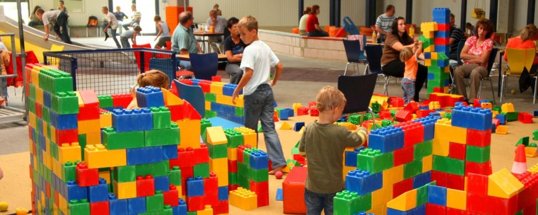 Spiel-Spaß im verhexten Spielhaus