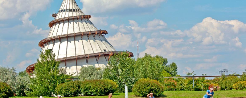 Elbauenpark mit Jahrhundertturm