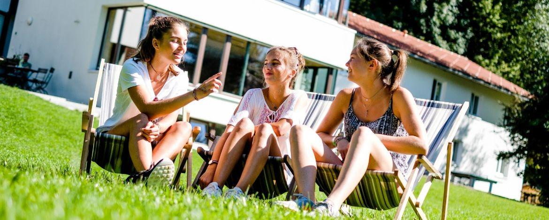 Chillen auf dem schönen Gelände der Jugendherberge Lenggries