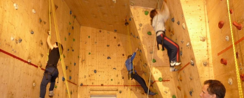 Kletterhalle der Jugendherberge Lochen