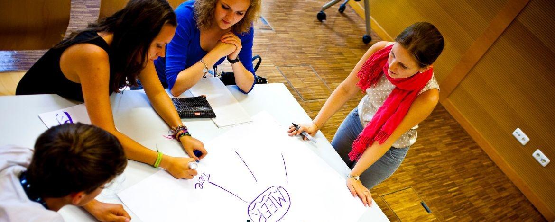 Aktive Mitarbeit in den Seminaren