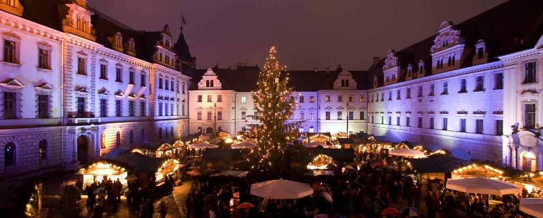 """""""Fürstlicher Weihnachtsmarkt"""" auf Schloß Thurn und Taxis"""