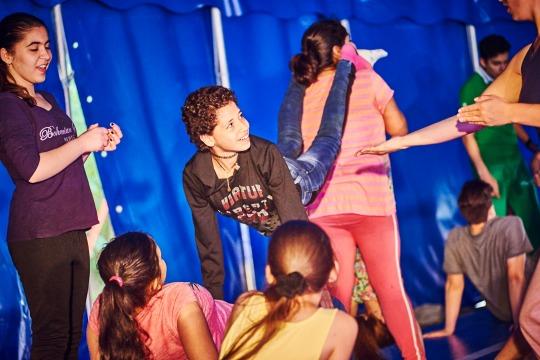 Bühne frei für Theater und Zirkus!