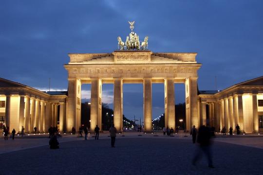 Familienurlaub Berlin-Ernst Reuter